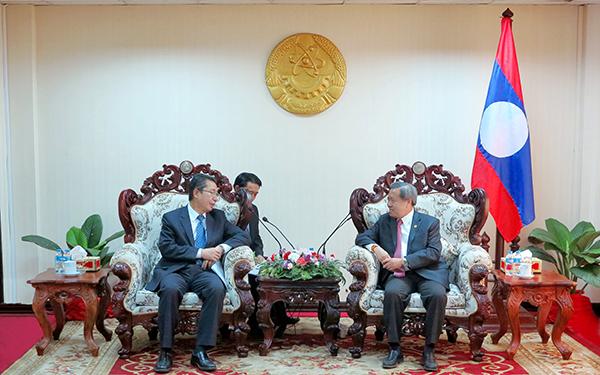 申长雨率团访问老挝