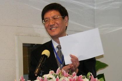 青岛市人民政府副秘书长李刚